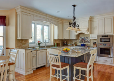 The Bluffs Traditional Kitchen