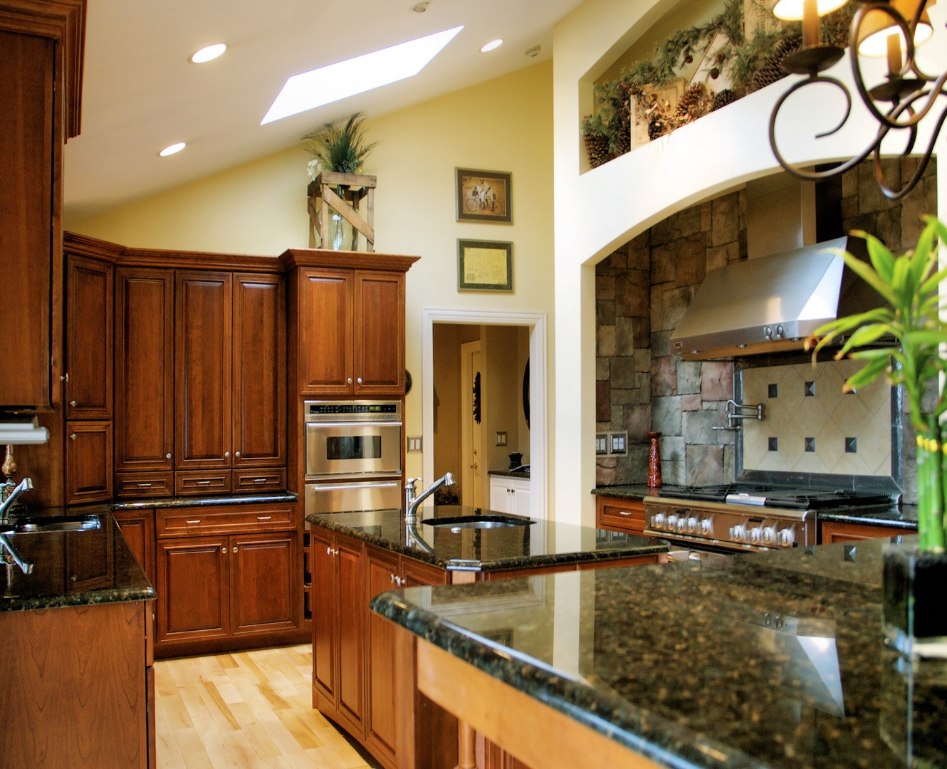 A Guide to Luxury & Upscale Kitchen Cabinets - Barrington ...