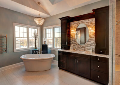 Lake Barrington Transitional Bathroom
